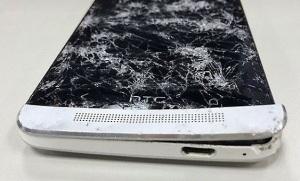 Разбитый HTC One M7